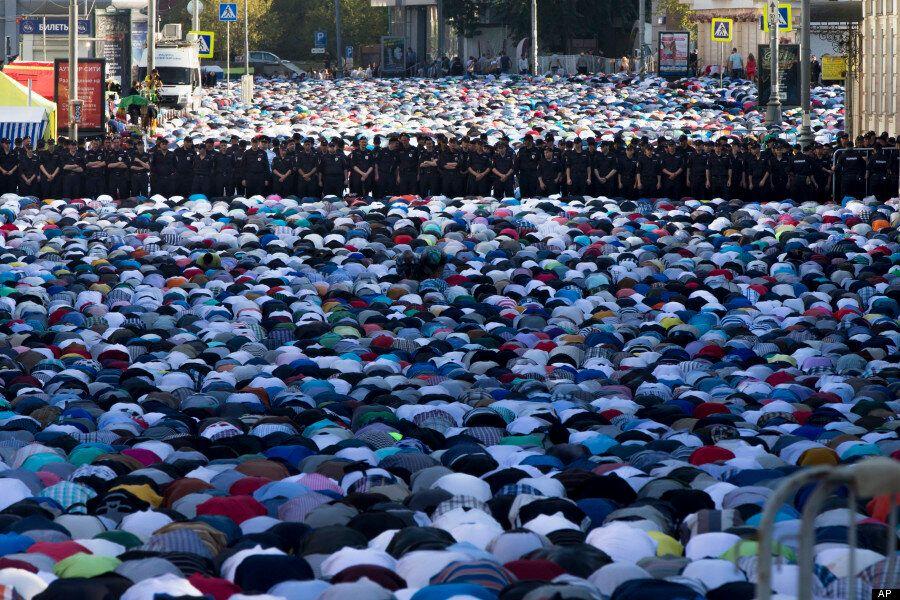 Eid Al-Fitr 2014: Muslims Celebrate The End Of Ramadan
