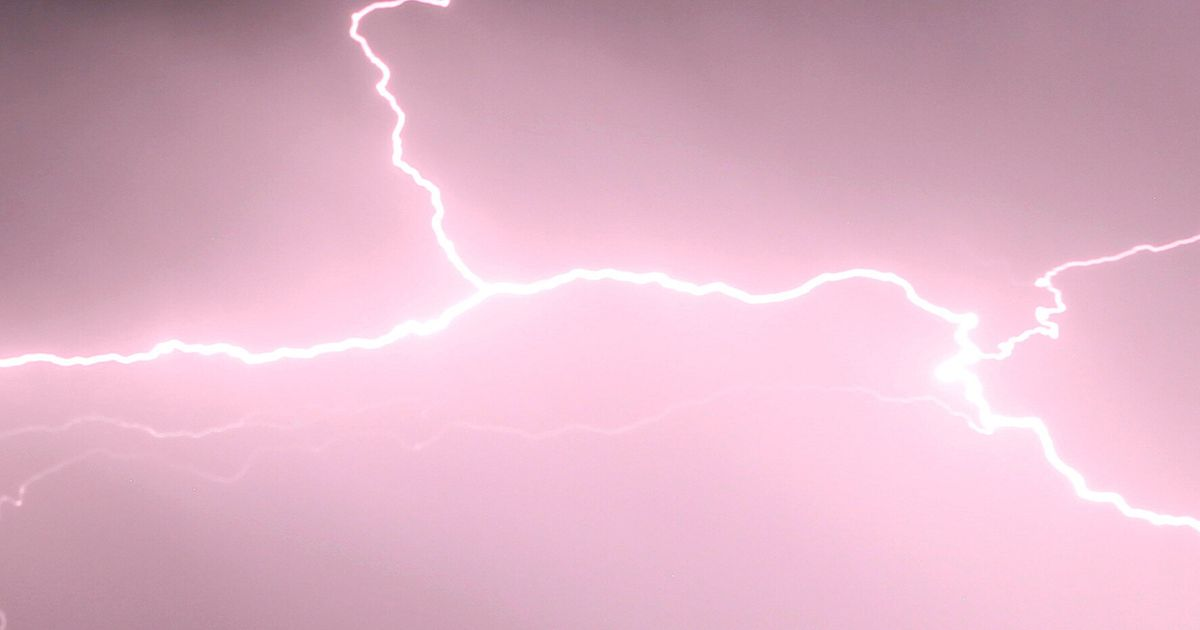b6bdf0be00039 Just How Far Away Is That Storm? | HuffPost UK