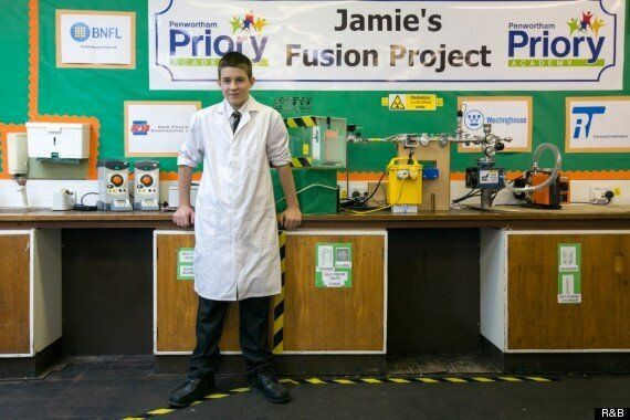 British 13-Year-Old Builds Fusion Reactor (AKA The 'Star In A