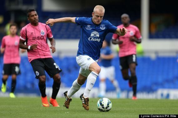 Steven Naismith Buys Everton Tickets For Unemployed