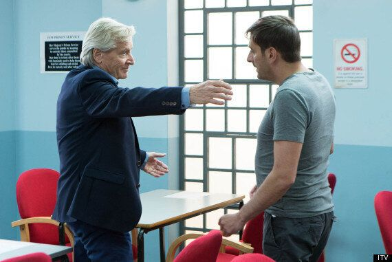 'Coronation Street' Spoiler: Bill Roache Says Ken Barlow Will Be A 'Thorn In Rob Donovan's Side' Over...