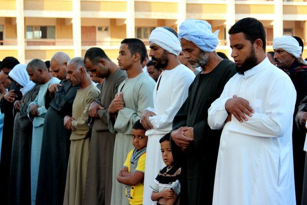 Egyptians Divided and Struggling as They Celebrate Eid al