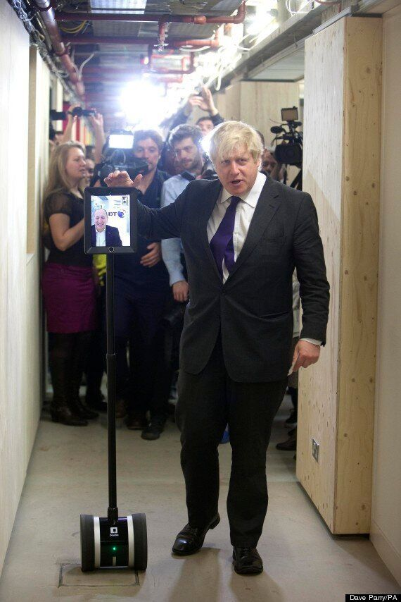 Boris Johnson Doesn't Know How To Download Smartphone