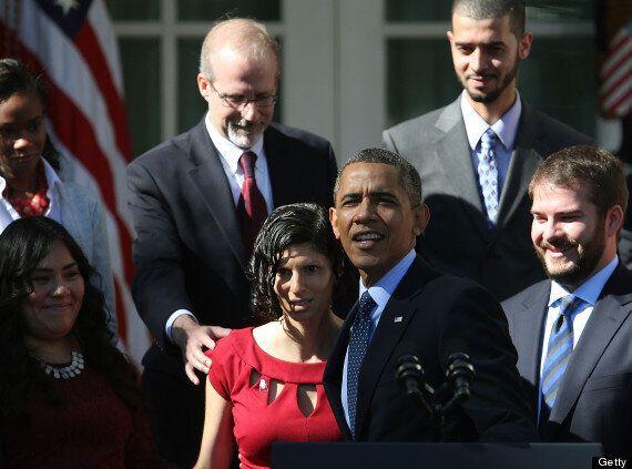 Barack Obama Helps Fainting Woman Karmel Allison (PICTURES,