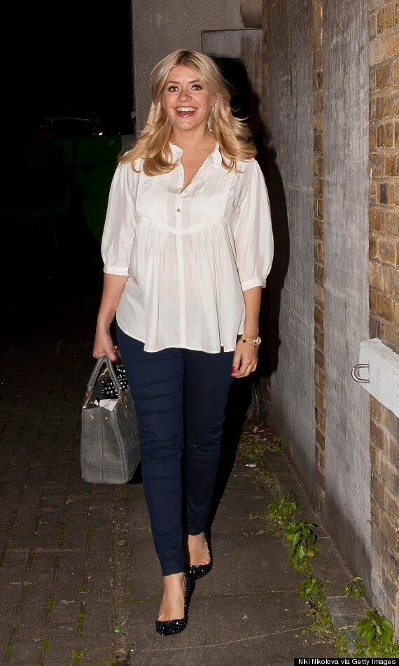 Holly Willoughby Shares Baby Bump Photo On Twitter