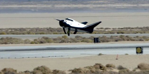 Sierra Nevada Corp's 'Dream Chaser' Mini Space Shuttle Suffers Landing Glitch After Free Flight