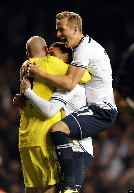 Tottenham Beat Hull 8-7 On Penalties In Capital One Cup