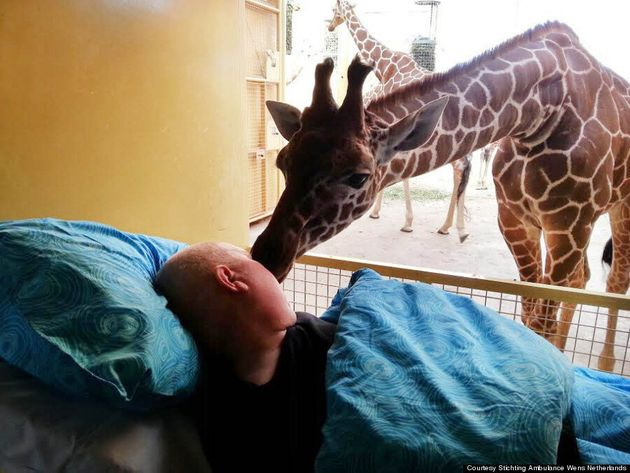 Mentally Disabled Cancer Patient Shares Farewell Kiss With
