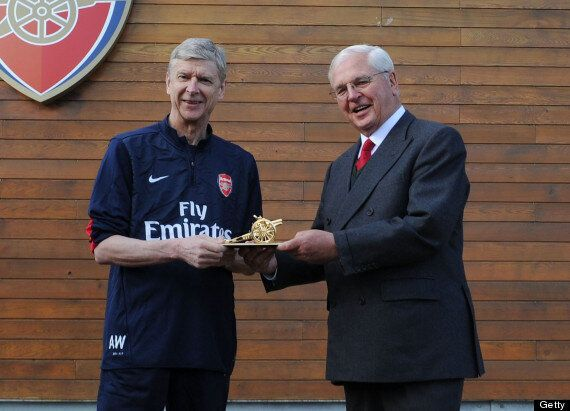 Arsène Wenger 1000 Arsenal Games: Frenchman Receives Golden Cannon