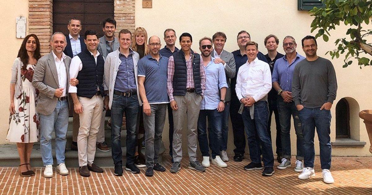 Cette photo de patrons de la Silicon Valley manquait de femmes... ils les ont photoshoppées