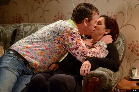 'EastEnders' Spoiler: Alfie Moon Kisses Ex Wife Kat On Eve Of Wedding To Roxy Mitchell