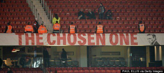 Manchester United Fans To Fly Anti-David Moyes Banner Over Old