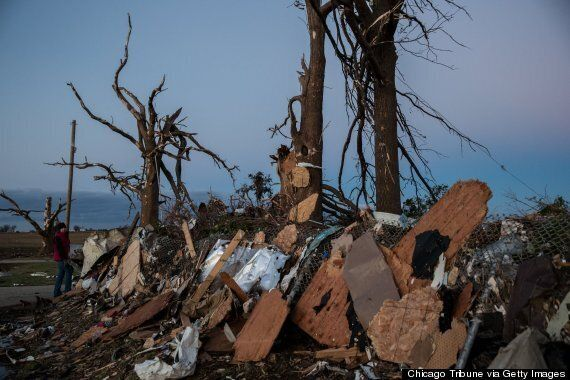 Tornado Kills Five In Illinois, Indiana and Kentucky (PICTURES,