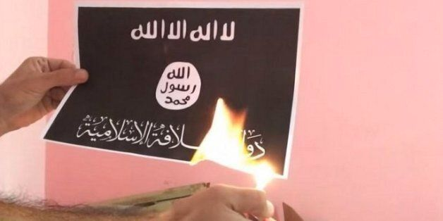 Islamic State Militants Retaliate After 'ISIS Flag Burning Challenge' Spreads Through Arab