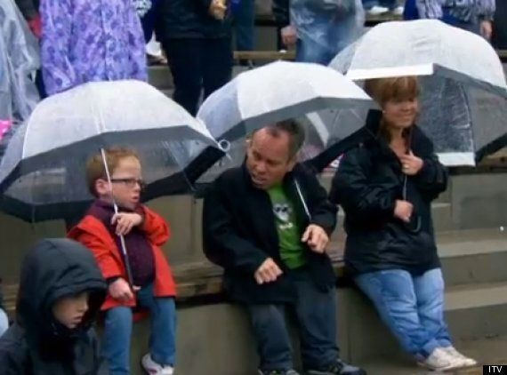 'Weekend Escapes With Warwick Davis'... And His Family! New Series Showcases British Landmarks