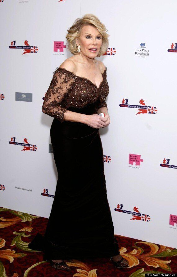 Joan Rivers' Doctor Reportedly Took A Selfie With Comedy Legend While She Was Under Anesthetic In Procedure...