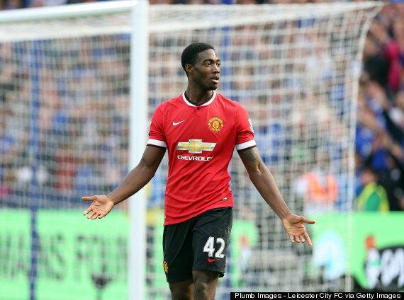 Manchester United: 3 Problems Louis Van Gaal Must