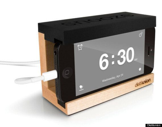 sale retailer 999ee 7cb86 Grab-A-Gadget' And Win This iPhone Alarm Clock Dock (COMPETITION ...