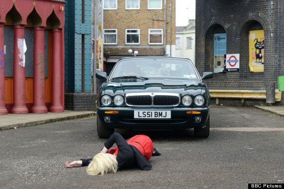 'EastEnders' Spoiler: Ronnie Mitchell Knocks Down Teen Mum Lola Pierce