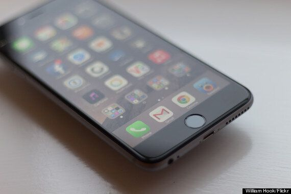 IPhone 6 Plus Reviewed In 12 Extremely Specific