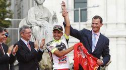 El ciclista español Juan José Cobo, descalificado por dopaje de la Vuelta 2011, de la que fue