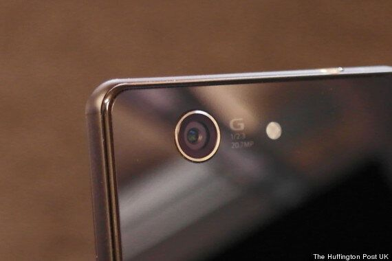 Sony Xperia Z3 Compact Review: Small But
