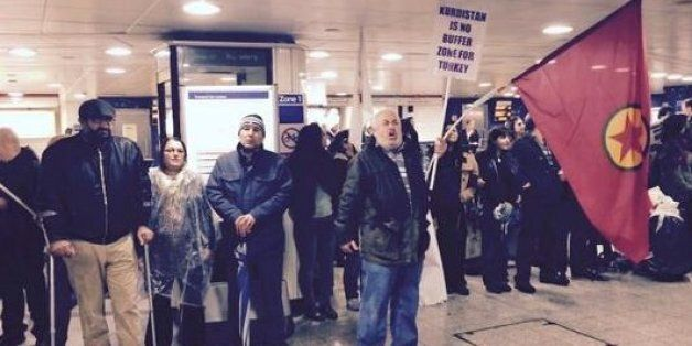 Kurdish Protesters Shut Down Oxford Circus Tube, Calling For More Action Against Islamic