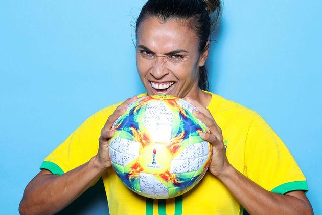 A jogadora eleita seis vezes a melhor do mundo jogará como titular contra a Austrália,...