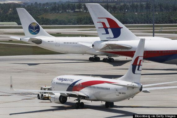 Malaysia Airlines Plane Forced To Turn Back After Landing Gear