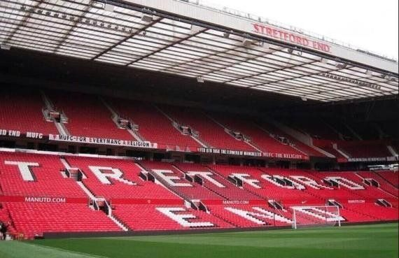David Moyes 'Chosen One' Banner Removed By Manchester
