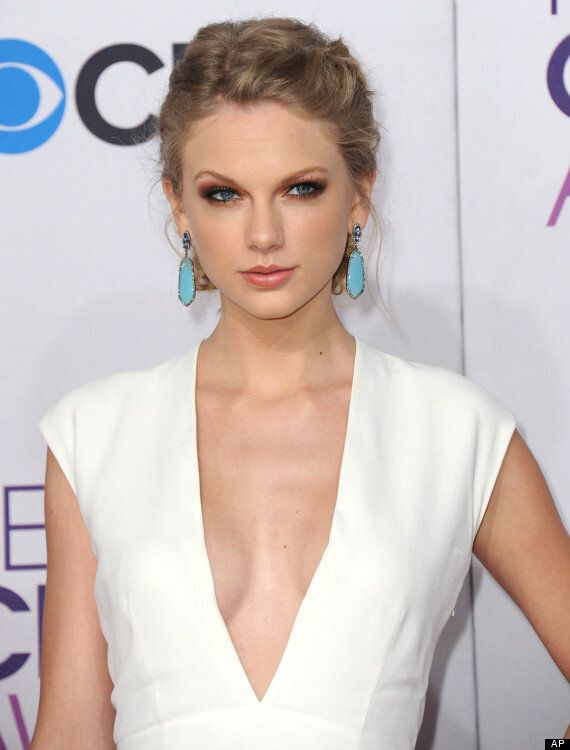 People's Choice Awards 2013: Taylor Swift Shows Harry Styles What He's Missing In Daring Dress