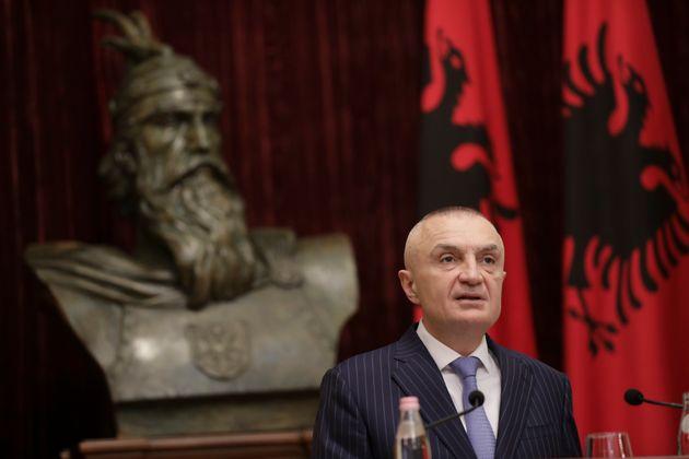 Αλβανία: Υπερψηφίστηκε η πρόταση μομφής κατά του προέδρου Ιλίρ