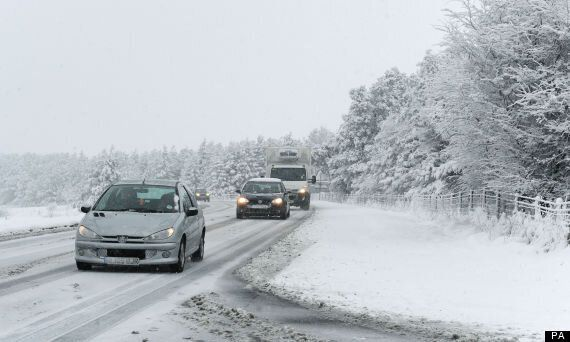 Fresh Travel Warnings As Heavy Snow Forecast To Hit