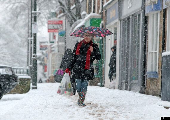UK Snow: Friday Set To Be A 'Messy Day' For Commuters With 25cm Snow Expected