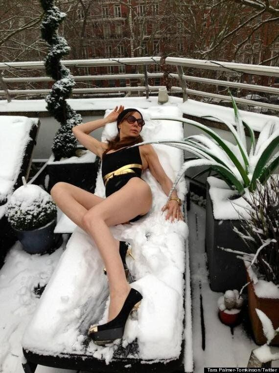 Tara Palmer-Tomkinson Does A Spot Of 'Snow Bathing' In Hilarious Twitter