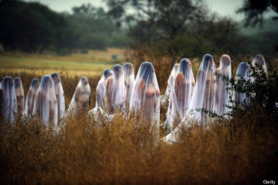 Spencer Tunick Marks Mexico's Day Of The Dead With Usual Battalion Of Nudes
