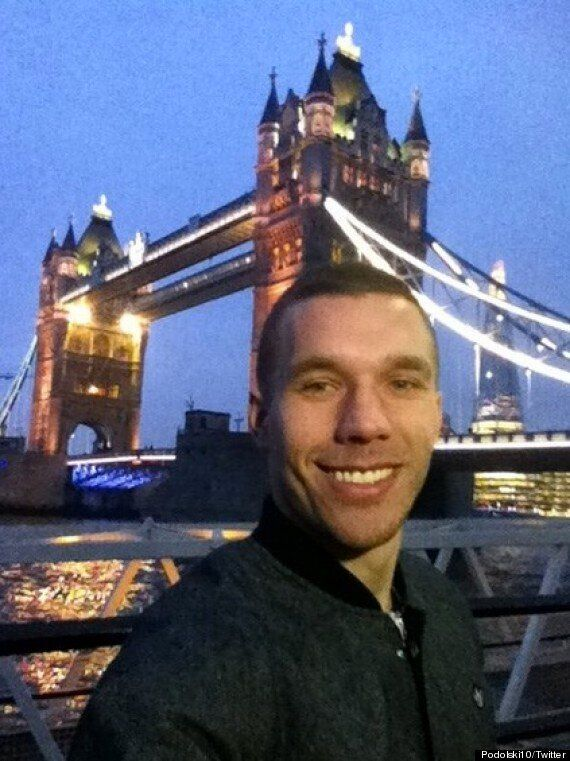 Lukas Podolski Visits London's Famous Tourist Attractions