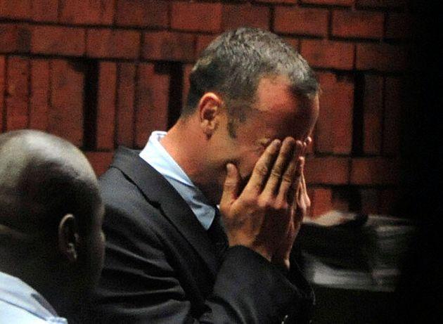 Oscar Pistorius Shooting: 'Bloodied Cricket Bat' Investigated In Reeva Steekamp