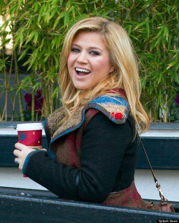 Kelly Clarkson Slams Music Mogul Clive Davis, Saying: 'I Refuse To Be