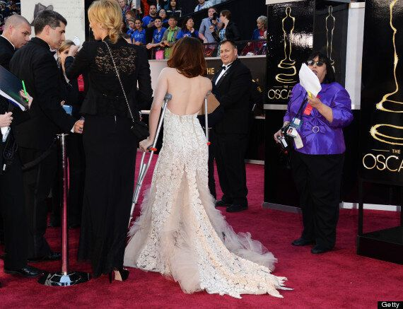 Oscars 2013: Kristen Stewart Arrives On Crutches Due To 'Unexplained Injury'