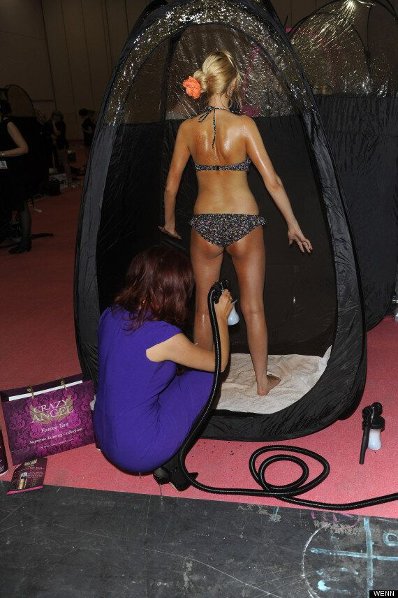 Amy Childs Breaks Spray Tanning World Record