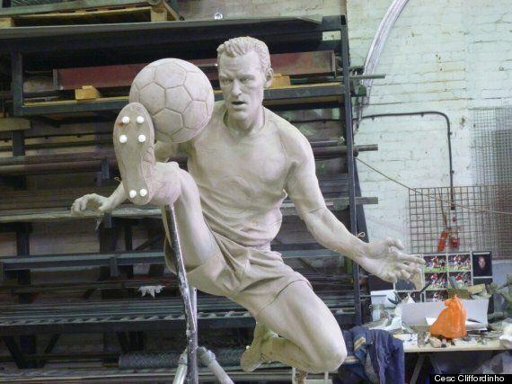 Dennis Bergkamp Statue To Be Erected At Arsenal's Emirates