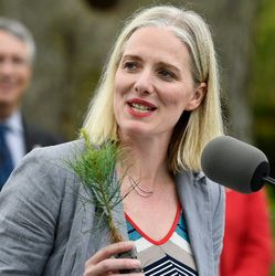 McKenna Tells Alberta A Carbon Tax Is Coming In