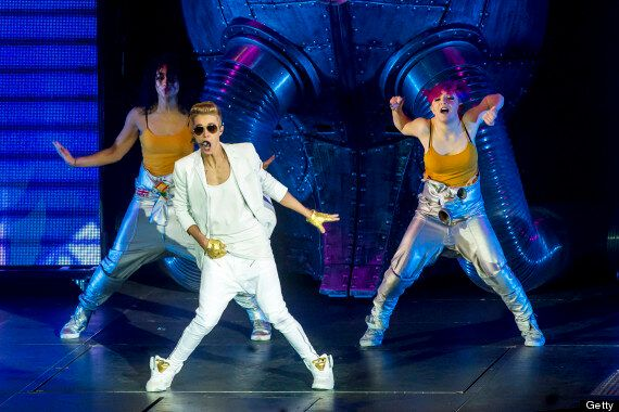 Justin Bieber Upsets Fans And Parents After Arriving On Stage At London Concert Two Hours