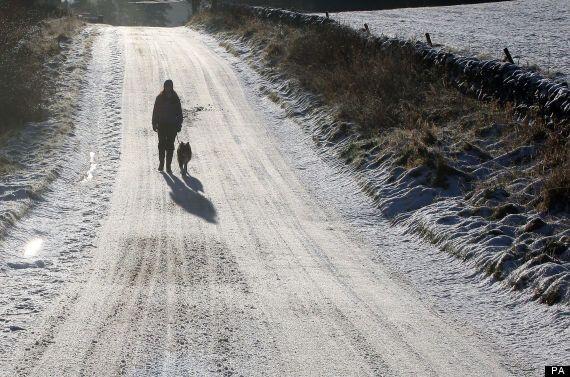 UK Weather: Snowfall Sweeps Across UK, More Freezing Temperatures Forecast