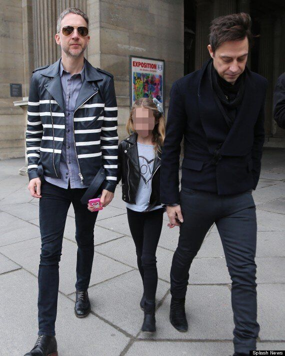 Kate Moss Watched By Daughter Lila Grace, Hubby Jamie Hince And Ex, Jefferson Hack At Louis Vuitton Paris...