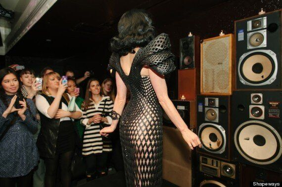 Dita Von Teese Wears 'World First' Articulated 3D Printed Dress - And It's Based On The Fibonacci Sequence