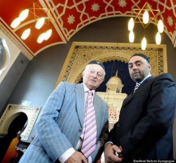 Bradford Muslims Rally To Save Synagogue From