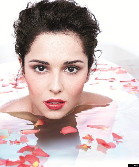 Cheryl Cole Strips Off, Takes A Bath, Looks Amazing In New L'Oreal Shoot