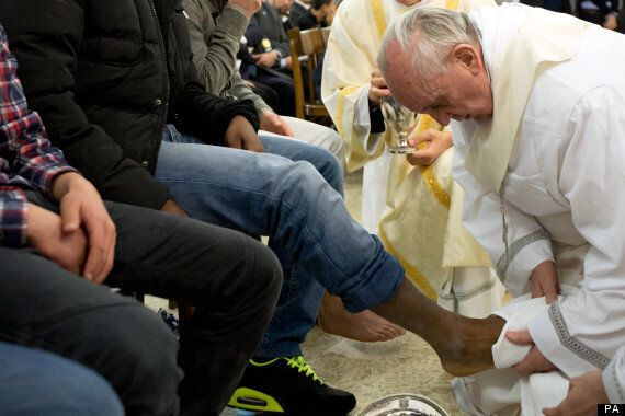 Pope Francis Washes Feet Of Muslim Female Prisoner In Break With Tradition